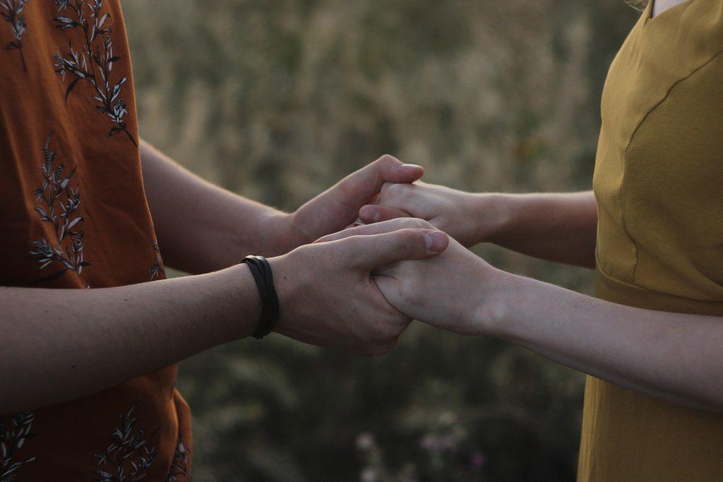 compartir mutuamente  en un espacio de respeto y escucha nos ayuda a sentirnos mejor
